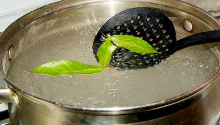 Prezzemolo, chiodi di garofano e alloro eliminare odore frittura